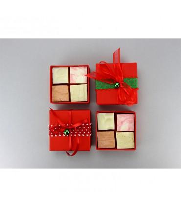 Рождественская красная подарочная коробка 4 кубика мыла